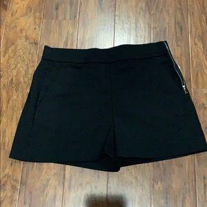 Zara Women's Black shorts